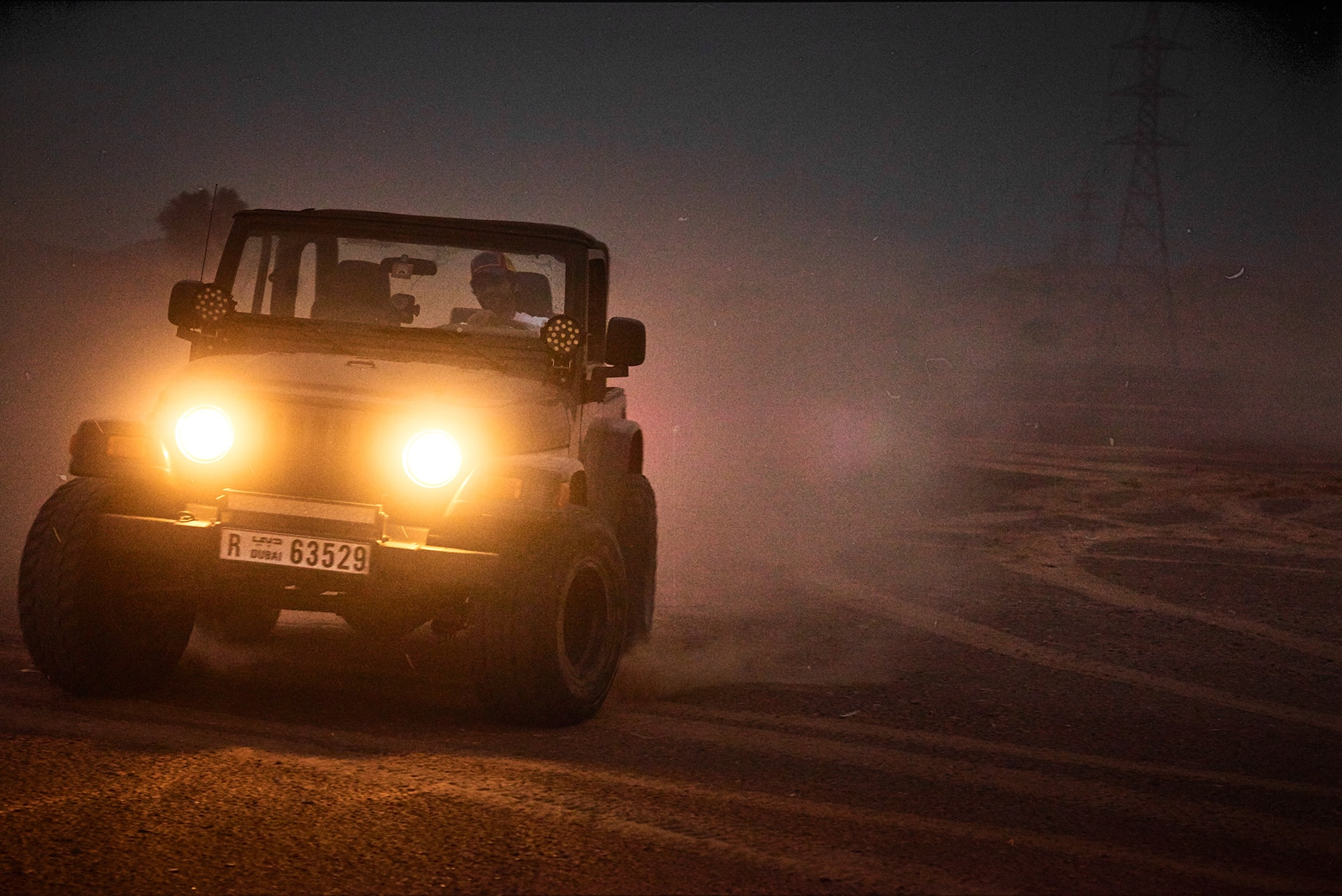 johannes kuehn photography and cgi berlin Dubai with Jeep